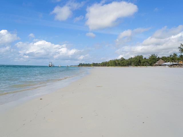 Pláž Diani v Mombase, Keňa
